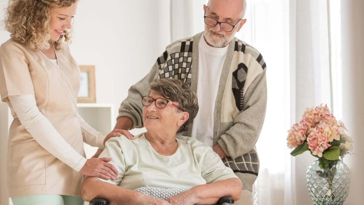 Rentner-Paar vertraut auf die fürsorgliche Betreuung und Pflege von Vitassist.